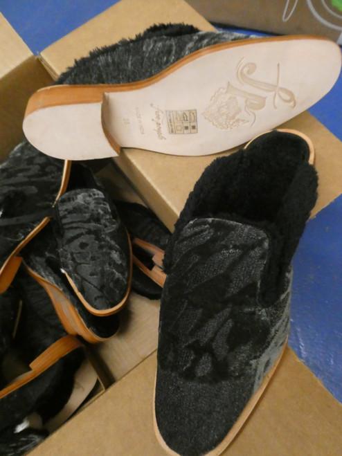 6prs Grab Bag FREE PEOPLE Fur Lined SLIDES Shoes BLACK #20070J ()