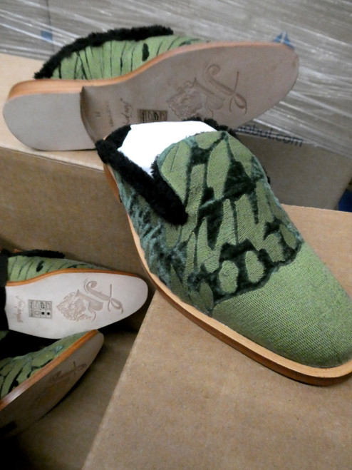 24prs FREE PEOPLE Fur Lined SLIDES Shoes GREEN #20071J ()
