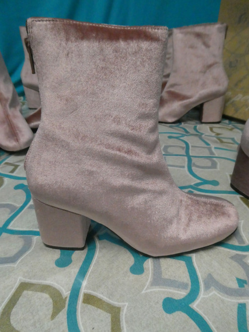 24prs FREE PEOPLE Velvet Boots #20077J ()