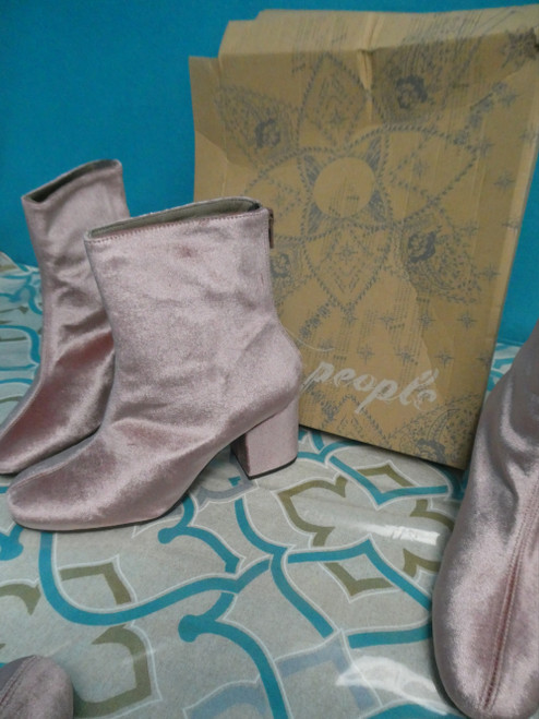 48prs Womens FREE PEOPLE Velvet Boots #20078J ()