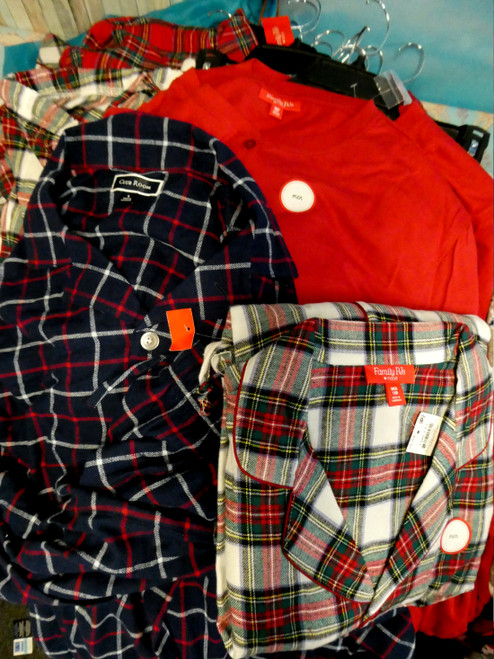 26 SETS = 54pc M*CYS MENS Holiday PJ Sets #20137N ()
