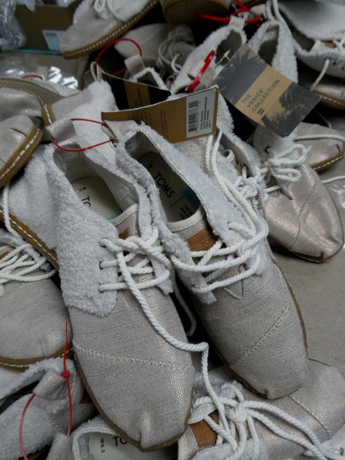 13prs Womens TOMS Limited Edt Sneaker Shoes #20247z (D-2-2)