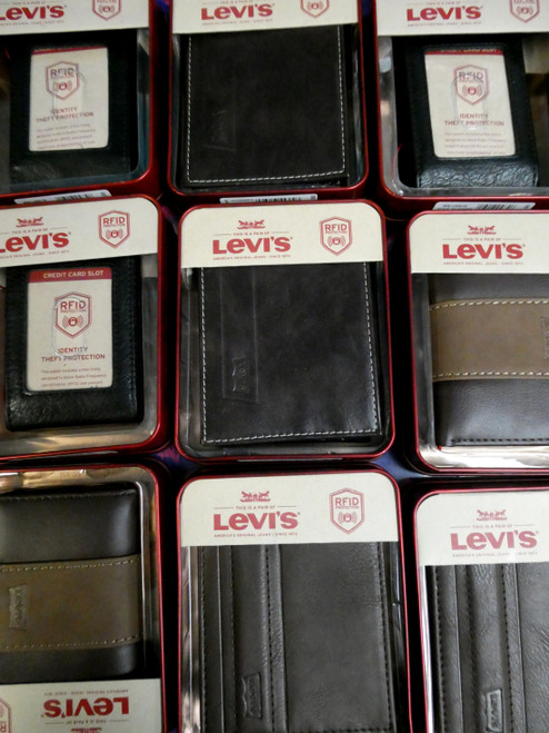 24pc Mens LEVIS Gift Boxed Wallets #20289ef (Q-4-1)