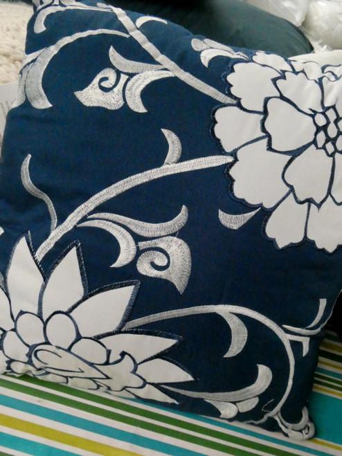 1pc SANCTUARY Zodax Blue Floral Throw Pillow #20694G (L-2-5)