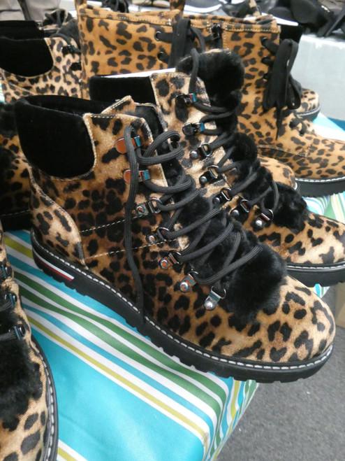 7prs Womens LEOPARD BOOTS Tommy Hilfiger & MADDEN #20767M (v-2-6)