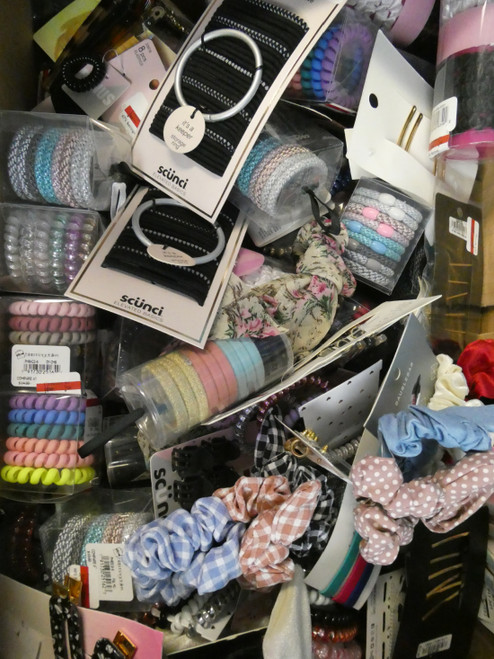 51+pc Grab Bag BL**MINGDALES Hair Accessories & Sets #21025C (v-3-5)