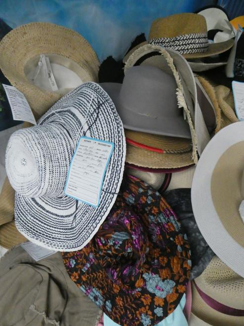 23pc Grab Bag BIG STORE Womens Hats #22143Q (i-4-5)