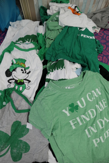 15pc Womens / Jrs GRAB BAG St Patricks Day GRAPHIC Tees #22365A (O-5-2)