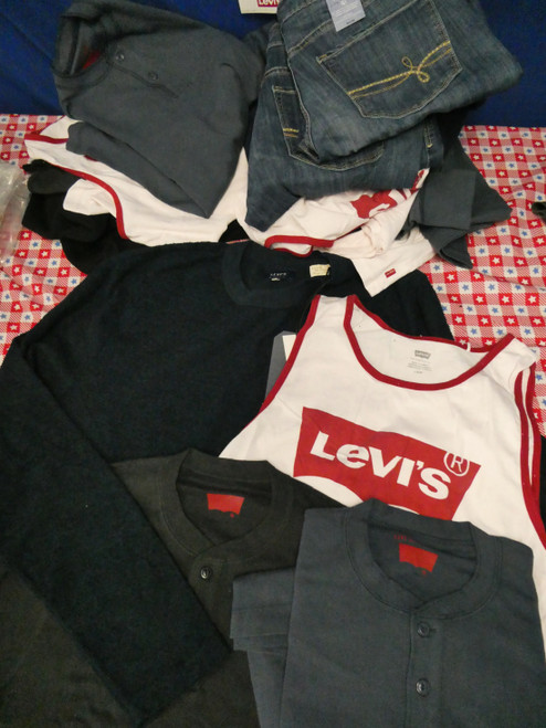 16pc Mens & Womens LEVIS Clothing Assortment #22392d (L-2-1)