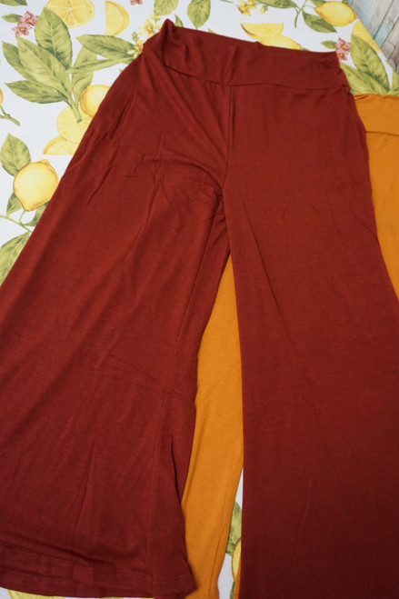 24pc Womens Capri Gaucho Pants ~ 2 Colors #22853c (V-1-1)