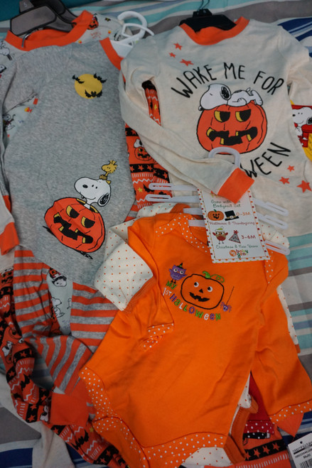 9 Sets = 20pc KIDS Halloween SETS Snoopy / Peanuts & More #22944G (E-6-5)
