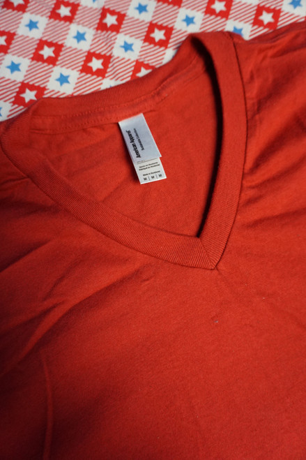 35pc Unisex AMERICAN APPAREL Tees RED Medium #22969G (g-5-4)