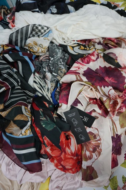 32pc M*CYS Summer SCARVES Papell INC #23763F (N-5-5)