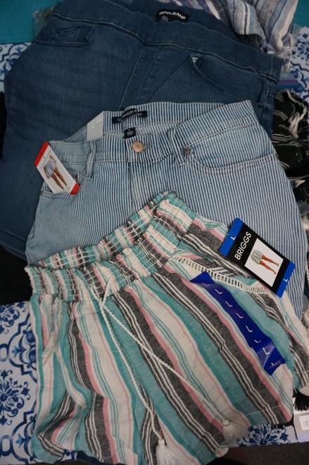 44pc Womens Shorts CK Briggs DKNY Hang Ten & More! #23979w (P-5-1)