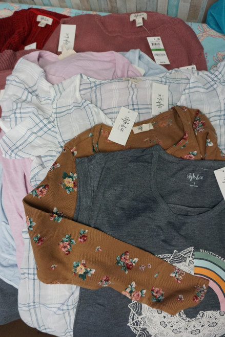 22pc ONLY STYLE & CO Womens Tops TEES Sweaters #24156E (B-10-5)