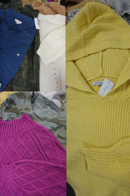 63pc American Eagle Mixed Mens & Womens Clothing #24112d ( J-4-6)