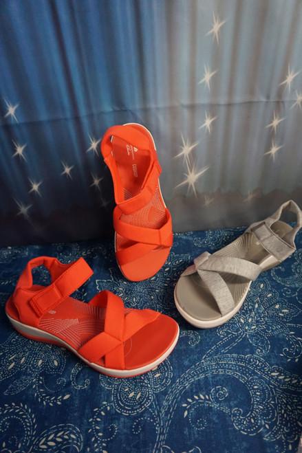 8prs Clarks Cloud Steppers Sport Sandals #24247L (O-4-3)