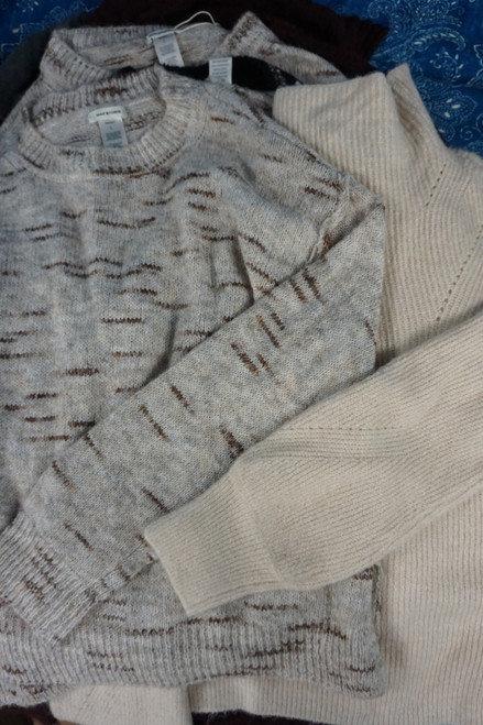 8pc Womens Max Studio Sweaters MOST LARGE #24527H (X-4-4  )