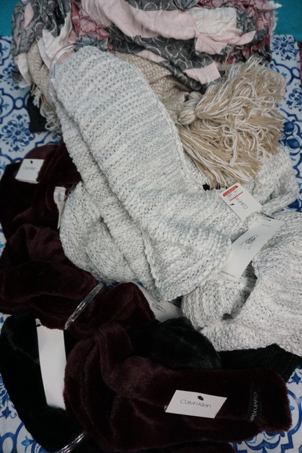 16pc Calvin Klein Scarves & Snow Hats #24552J ( M-1-5 )