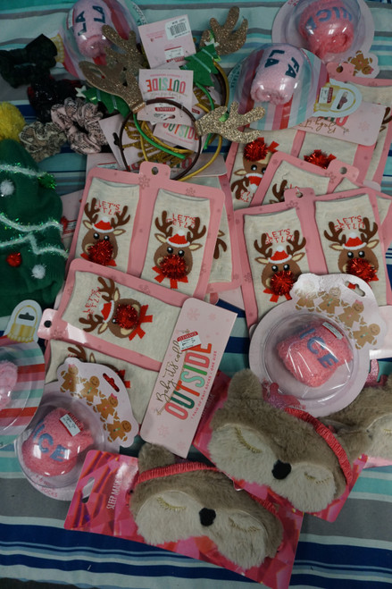 30+pc Holiday Accessories / Gifts Stocking Stuffers #24556K (  V-3-4)