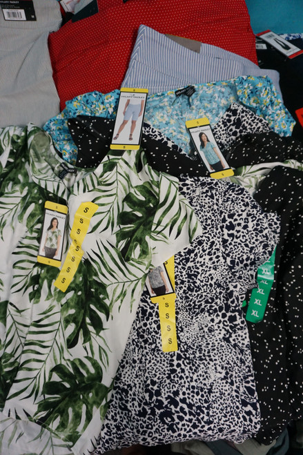 41pc Womens HILARY RADLEY Tops Shorts Pants #24651R ( X-7-3)