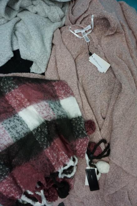 21pc BCBG Blanket Scarves & Knit Wraps #24738w (B-11-5)