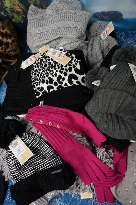26pc Womens KORS Winter Accessories #24744w (I-5-6 )