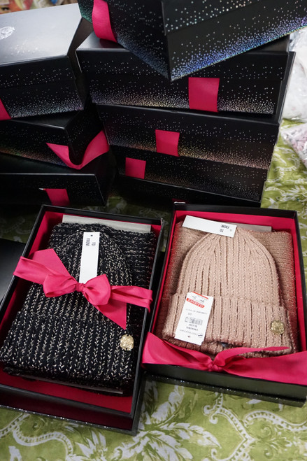 19 SETS = 38+pc VINCE CAMUTO Gift Sets #24784Y (W-8-5)