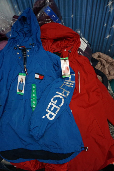 40pc Womens Coats & Jackets TOMMY Adventure BAUER #24906G ( W-9-5)