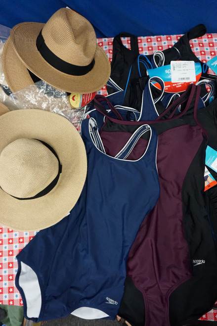 15pc Womens SPEEDO Swim Suits & SOLAR ESCAPE Sun Hats #24964K (M-2-1)