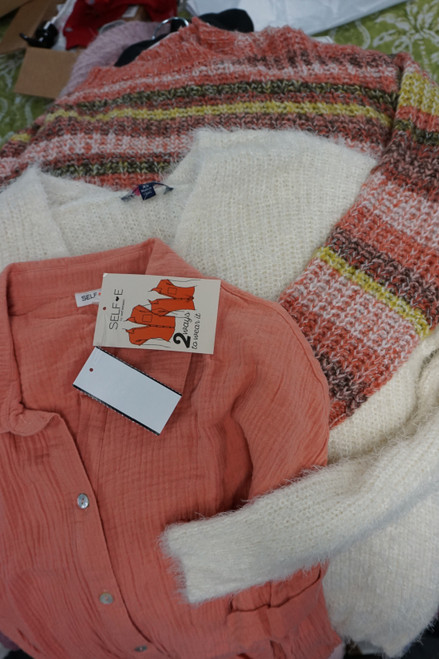 33pc M*CYS Designer Juniors Sweaters & Tops #25945P (V-5-1)