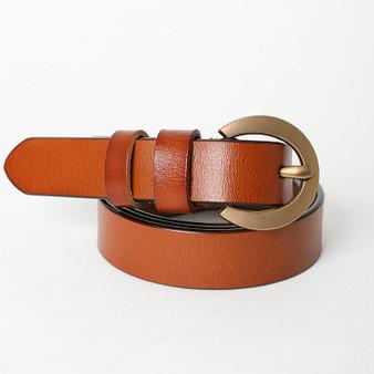 Curved buckle waist belt