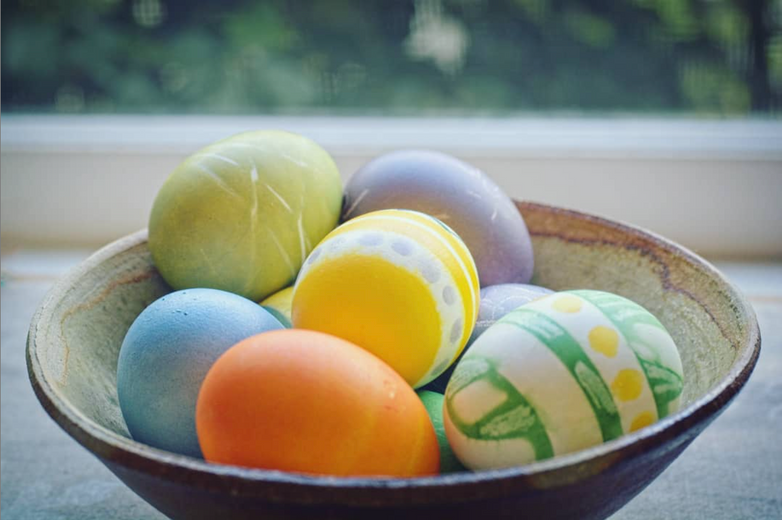 DIY Natural Confetti Eggs with the Natural Egg Dye Kit