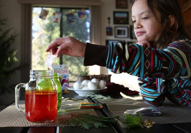 Why You Should Stick to Natural Dyes- Especially For Your Eggs
