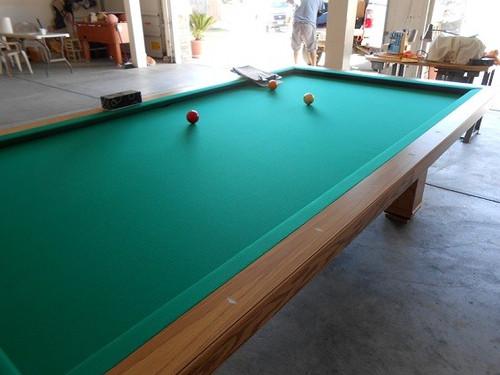 CAROM BILLIARD TABLE (NO POCKETS, 3 CUSHION, 3 BALL BILLIARD)