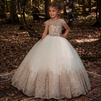 QueenLine New Flower Girl Dresses Beading Sash Ball Gowns Lace Appliques Floor Length Flower Girls Princess Elegant Wedding Pageant Dresse