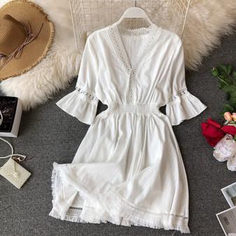 QueenLine Bohemian Dresses Hippie Boho White Dress Women Deep V Neck Dress 2020 Linen Summer Robe Femme Tassel Vestidos Sexy Beach Clothes