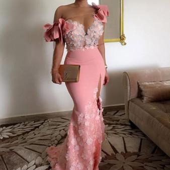 QueenLine Elegant Floral African Evening Gowns Long Sleeves One Shoulder Pink Mermaid Arabic Prom Dresses Dubai Side Slit Robe De Soiree