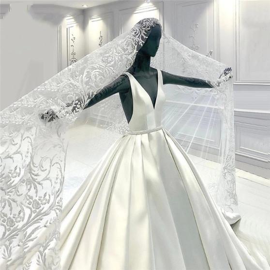 QueenLine Ivory V Neck Wedding Dresses With Lace Wedding Veil 2021 Newest Backless Elegant Bridal Gowns Middle East Wedding Bride Dresses Wedding Dresses 