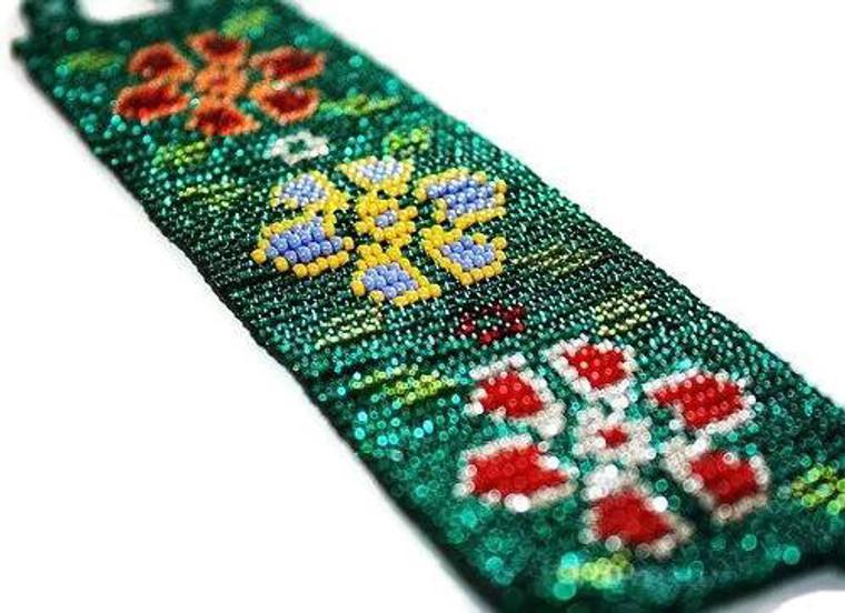 Mexican Huichol Floral beaded bracelet