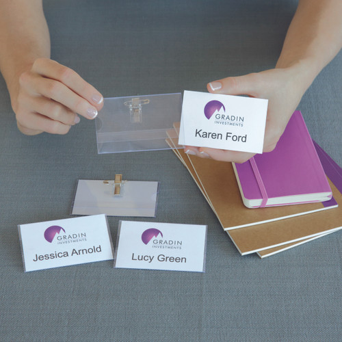 Avery Card Name Badges Kit, 86.5 x 55.5 mm, 20 Badges (959077 / L7418K)