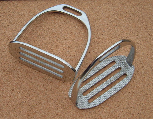 Round Edge Stirrup Irons