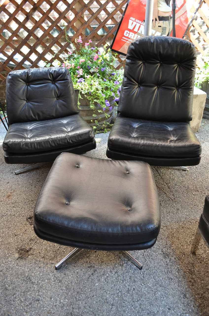 Pleasant Mid Century Modern Black Leather Selig Swivel Lounge Chairs With Ottoman Inzonedesignstudio Interior Chair Design Inzonedesignstudiocom