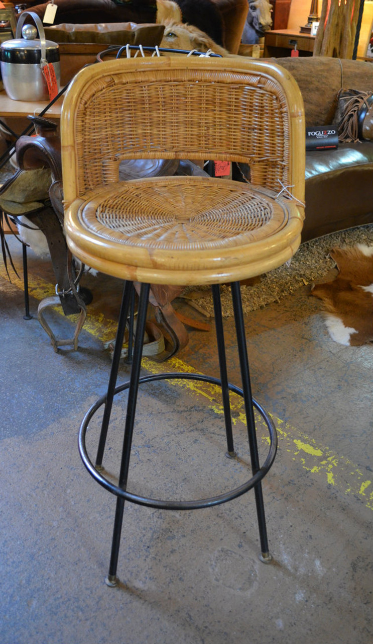 Astonishing Vintage Mid Century Modern Danny Ho Fong Iron And Rattan Bar Stool Dailytribune Chair Design For Home Dailytribuneorg
