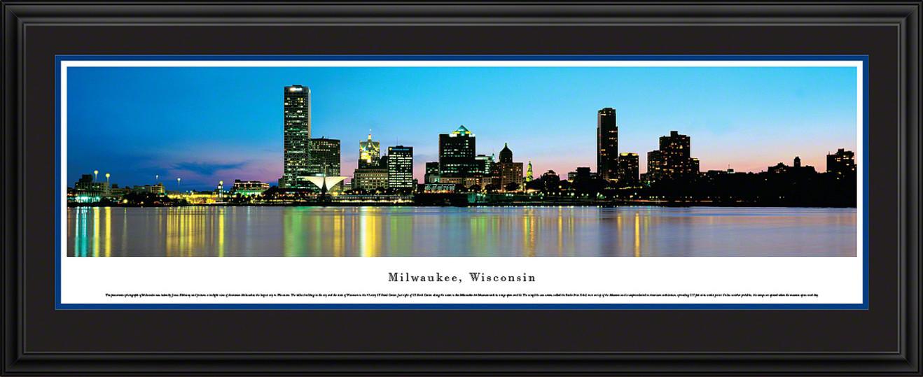 Milwaukee, Wisconsin Panoramic Skyline Picture - Twilight