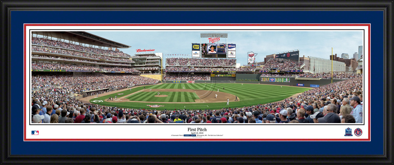 Minnesota Twins Panoramic Picture - Opening Day at Target Field - MLB Wall Decor