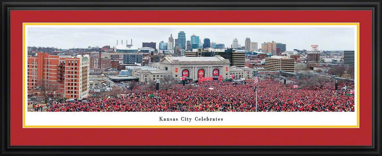 Kansas City Celebrates - Kansas City Chiefs Super Bowl Parade Panoramic Picture