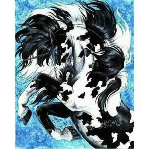 5D Diamond Painting Black & White Unicorn Kit