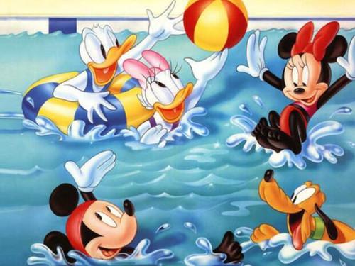 5D Diamond Painting Mickey Fun in the Pool Kit