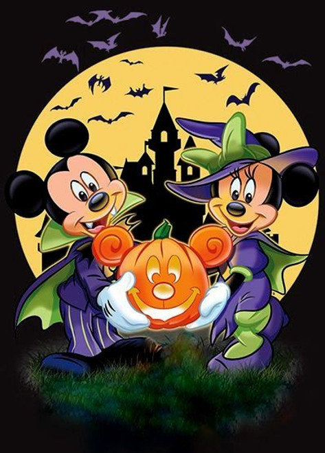 5D Diamond Painting Mickey and Minnie Haunted House Kit